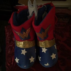 Other - Wonder Woman toddler slippers